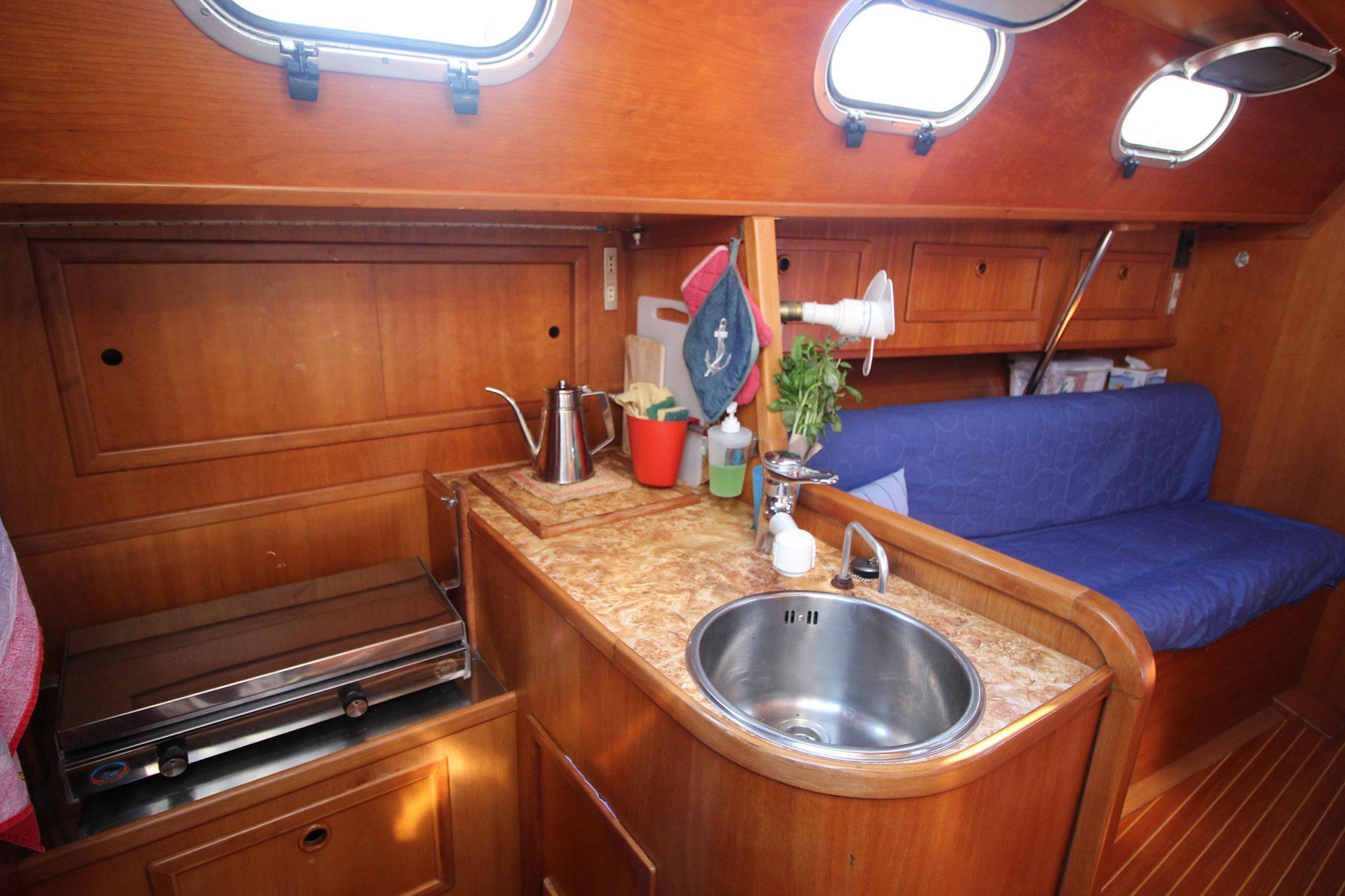 interno-barca-athena-sail-2