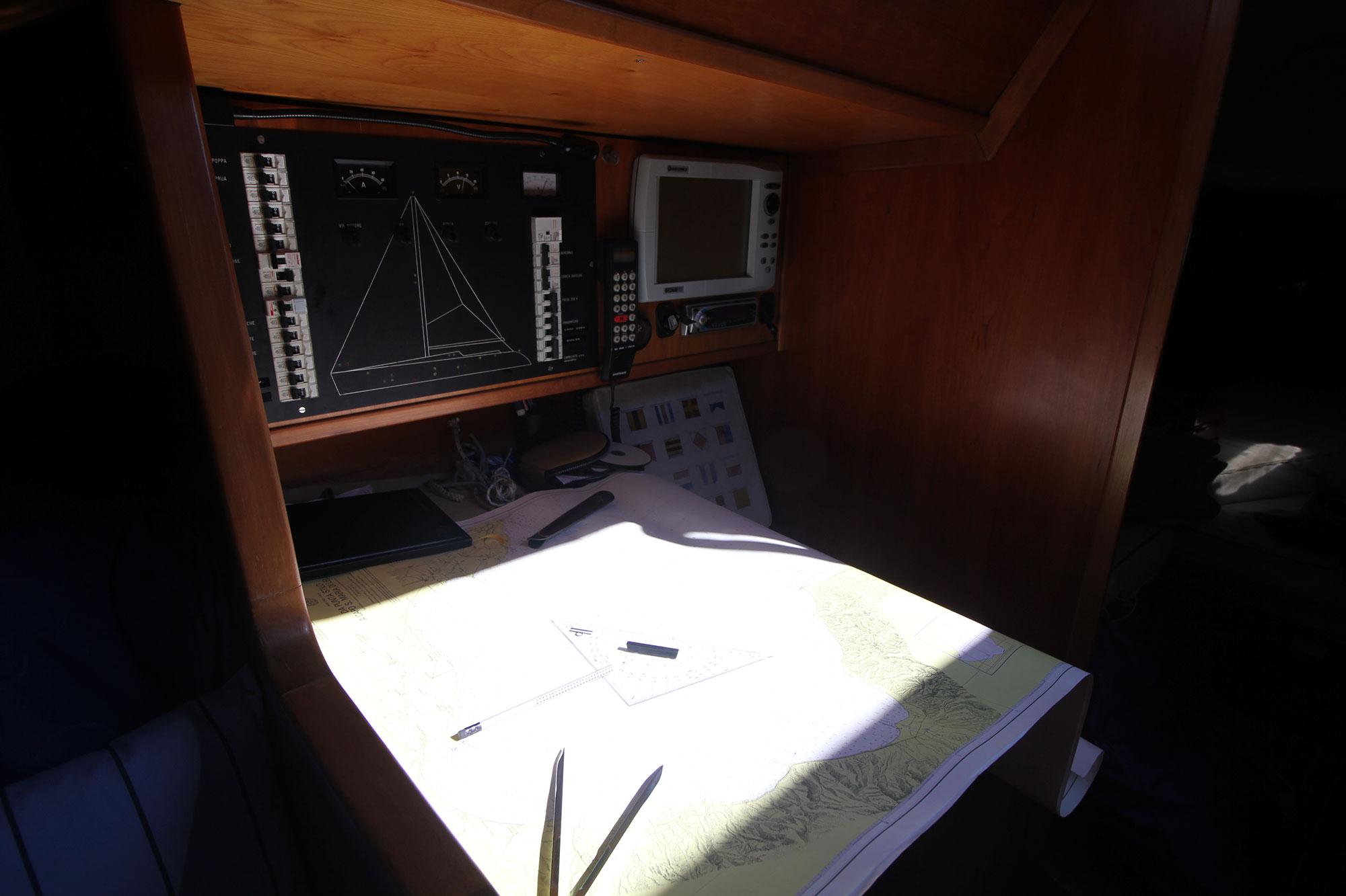 interno-barca-athena-sail-3